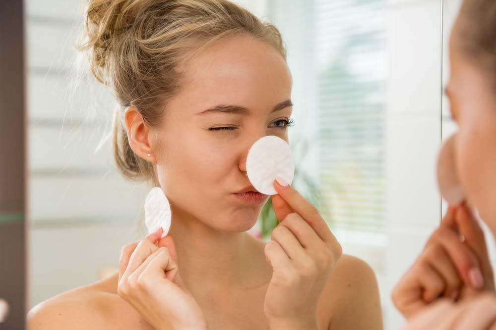 In 3 simplen Schritten zu einer klaren, erfrischten und glatten Haut